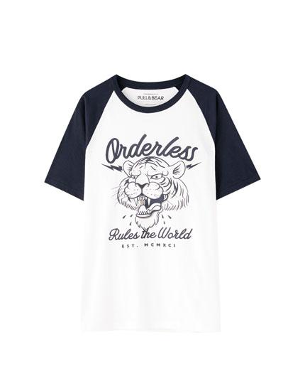 T-shirt de manga raglã com nervuras