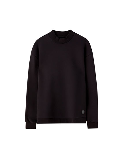 High neck sweatshirt with pockets