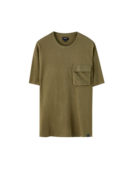 Oversized T-shirt with pocket