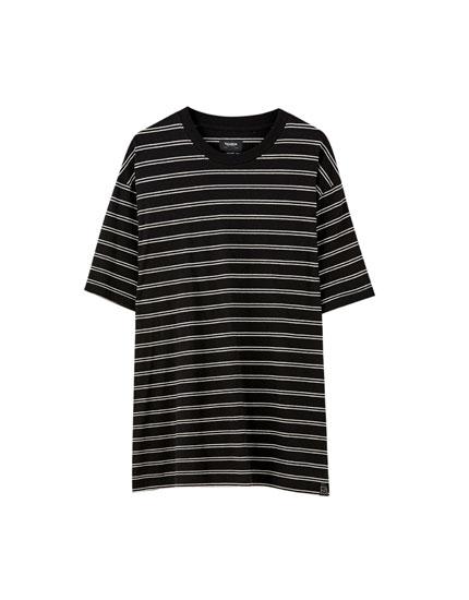 T-shirt dupla com risca