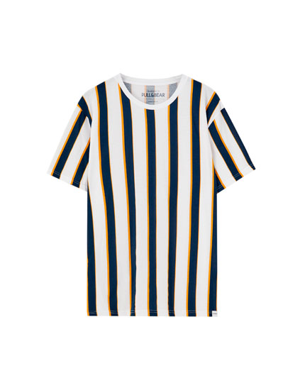 Basic T-shirt with vertical stripes