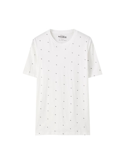 Camiseta básica print contraste