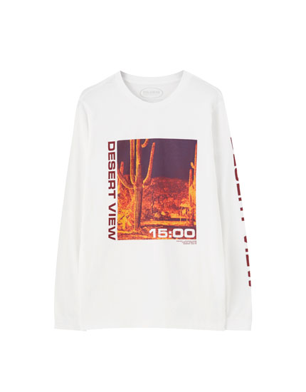 T-shirt with desert illustration