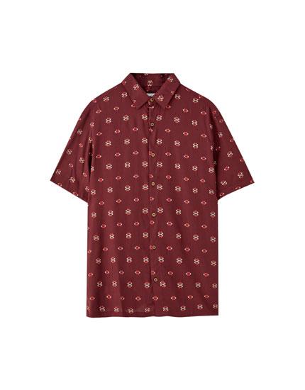 Camisa estampada contraste