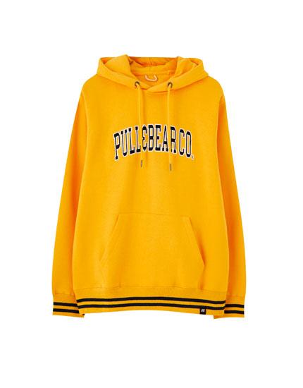 Sweatshirt com capuz e logótipo bordado