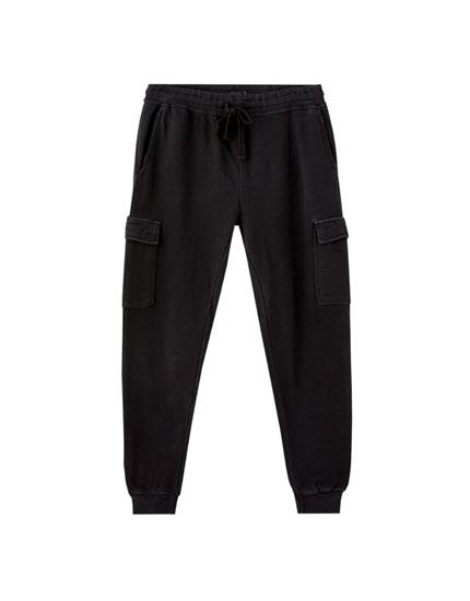 Pantalón jogging cargo efecto lavado