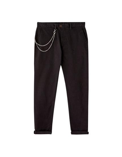Παντελόνι chino με αλυσίδα στη μέση