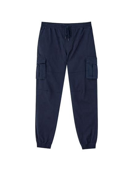 Pantalón cargo jogger color