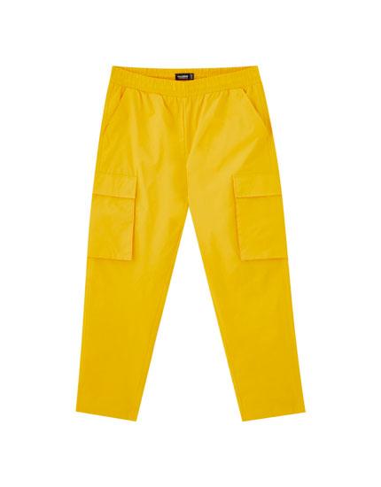 Παντελόνι cargo σε ίσια γραμμή με τσέπες