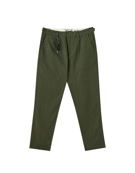 Basic chino trousers with a key ring detail