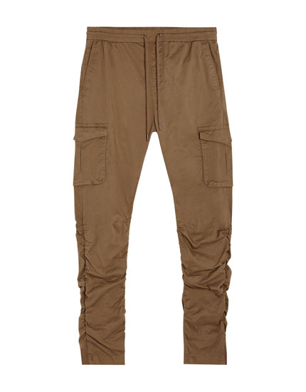 Wrinkled-effect cargo trousers