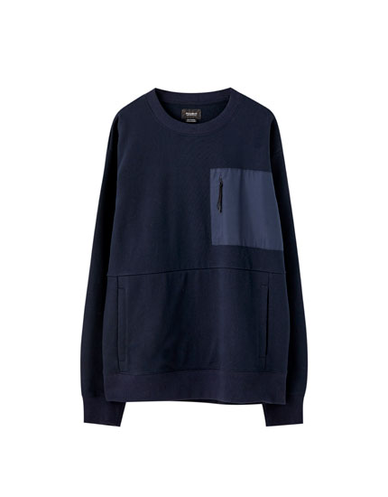 Sweatshirt with contrast pocket