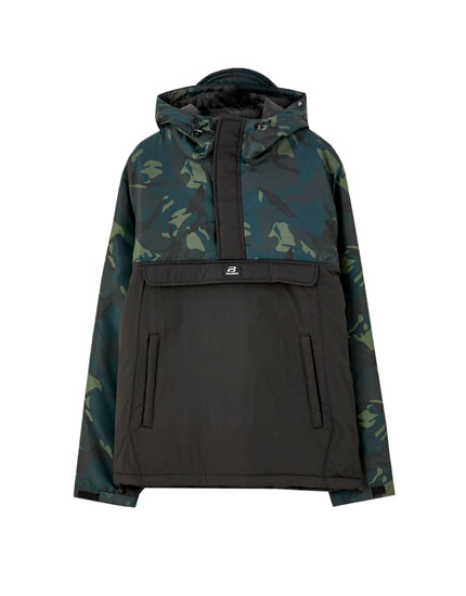 Pouch pocket jacket with camouflage panels