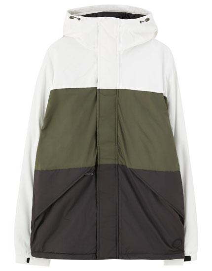 Blusão acolchoado com color block em contraste