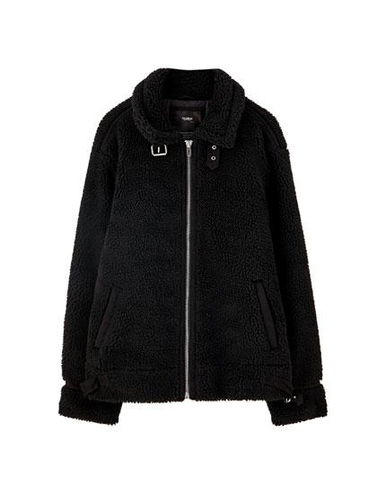 Schwarze Jacke aus Lammfellimitat