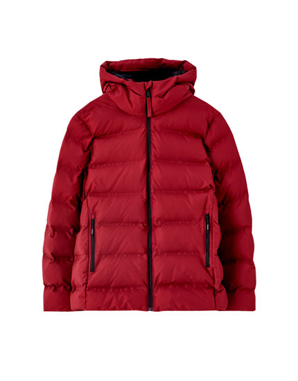 Hooded puffer jacket with invisible seams
