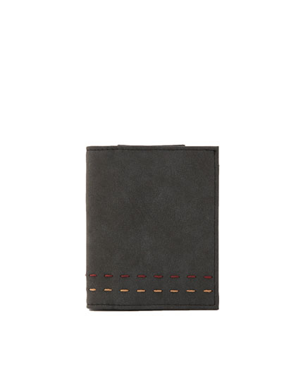 Black wallet with double topstitching