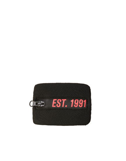 Synthetic rubber wallet with contrast logo