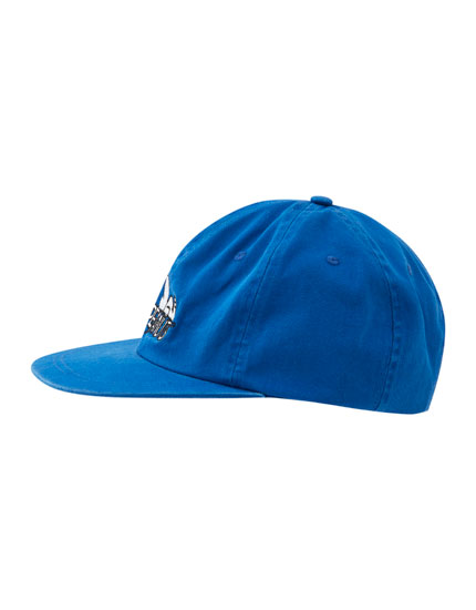 Snoopy cap with a blue flat peak