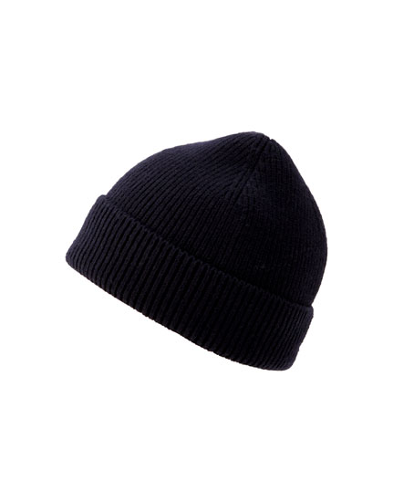 Plain coloured knit beanie