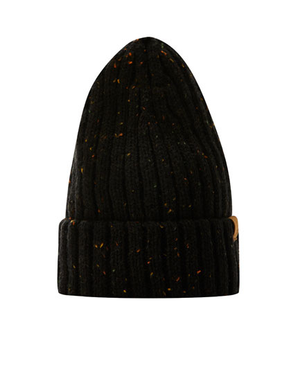 Ribbed knit beanie with logo