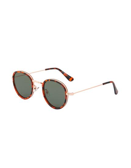 Round tortoiseshell sunglasses