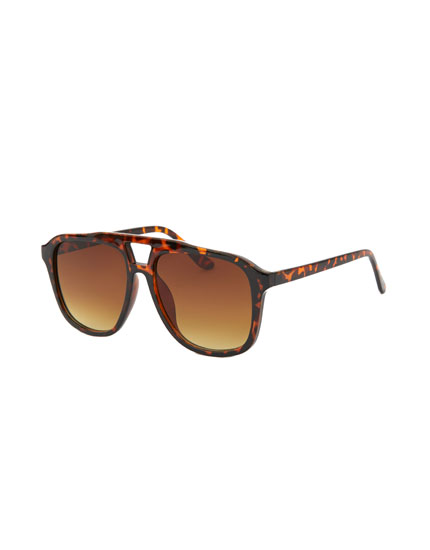 Óculos de sol com ponte dupla em padrão tartaruga
