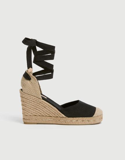Chaussures compensées noires jute liens