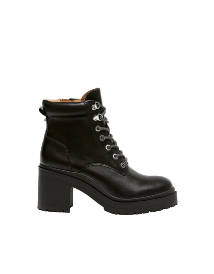 Lace-up ankle boots with hiking lace hooks