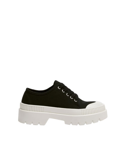 Fashion plimsolls with toecap