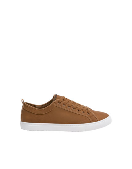 Basic brown die-cut trainers