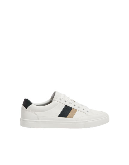 Basic trainers with stripe detail