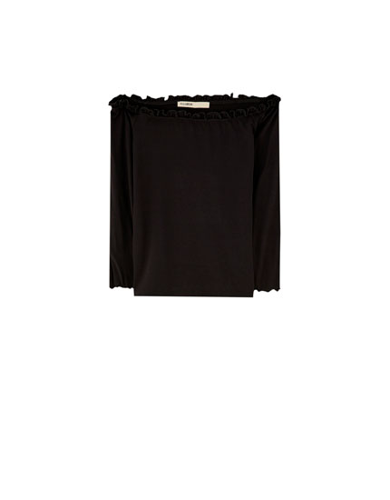 Stretch off-the-shoulder T-shirt