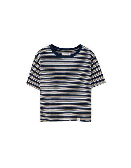 Bunt gestreiftes Basic-Shirt