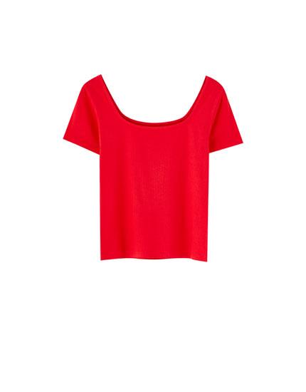 T-shirt i ribstof med firkantet udskæring