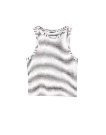 Camiseta sin mangas básica cropped