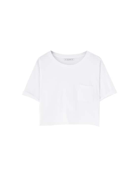 c7bfa2718f0353 Basic cropped T-shirt with rolled-up sleeves - pull bear