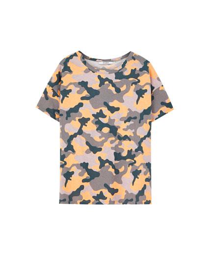 Short sleeve colourful camouflage T-shirt