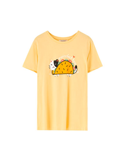 T-shirt with cat illustration