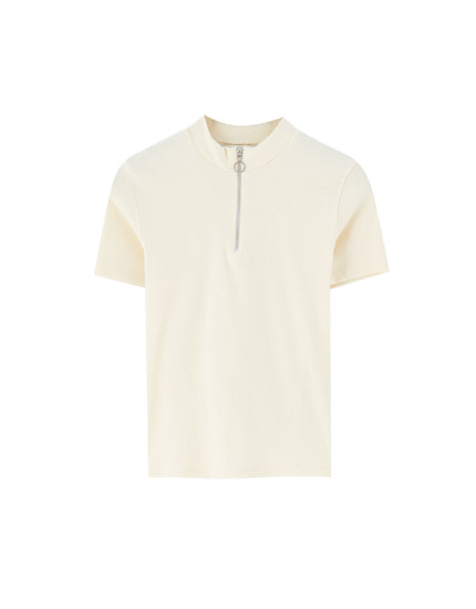 Short sleeve T-shirt with zip