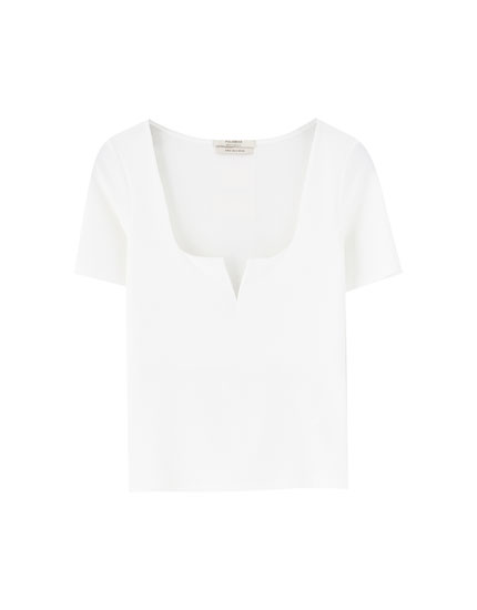 Short sleeve T-shirt with square-cut neckline