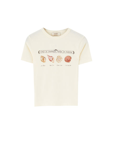 T-shirt with seashell illustration