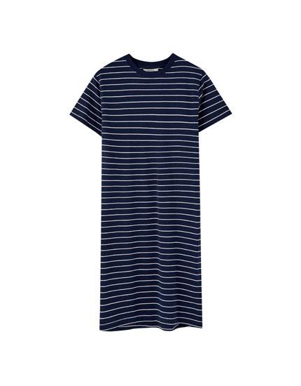 Vestido midi tipo camiseta