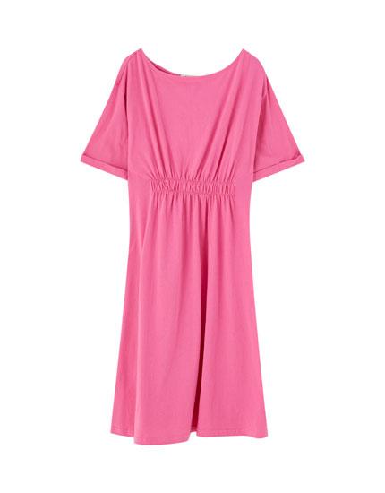 Mini-robe taille froncée