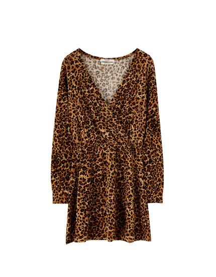 Kleid in Wickeloptik im Leoparden-Look