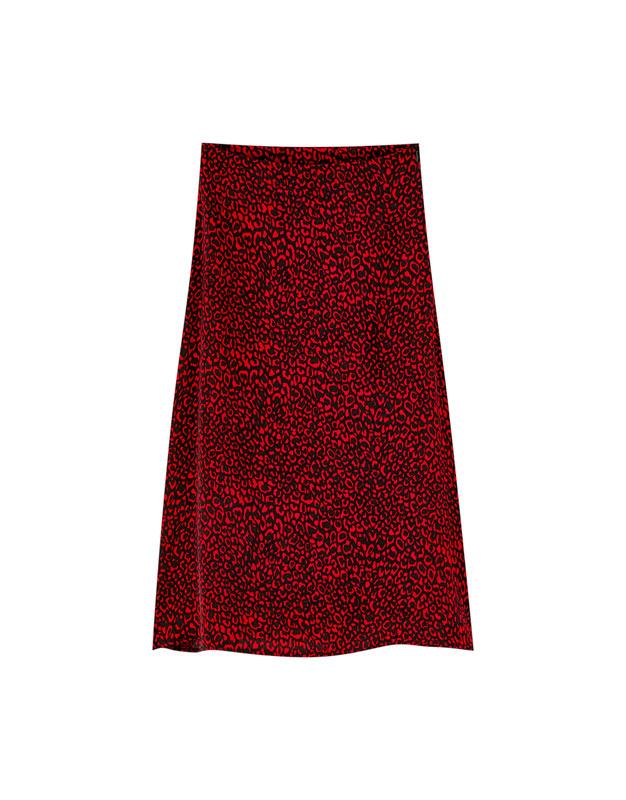 2823b84dfae7 Red leopard print satin skirt - PULL&BEAR