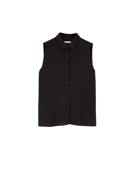 Plain sleeveless shirt