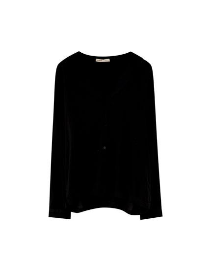 Basic long-sleeved shirt