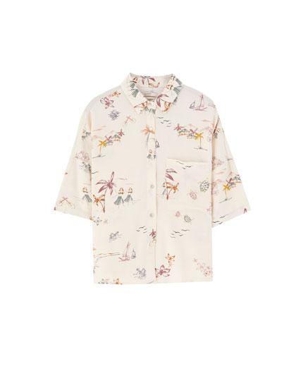 Krekls ar havajiešu ziedu rakstu un īsām piedurknēm