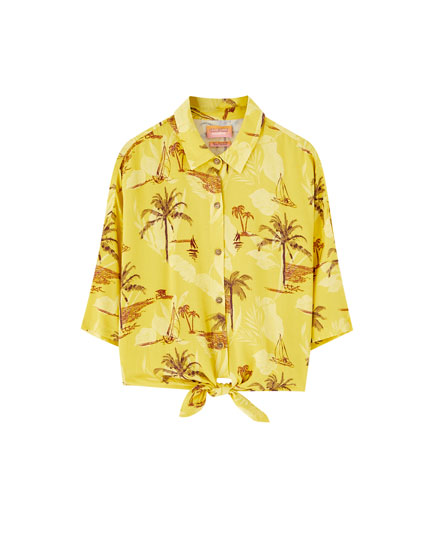 Sadie Sink palm tree print shirt